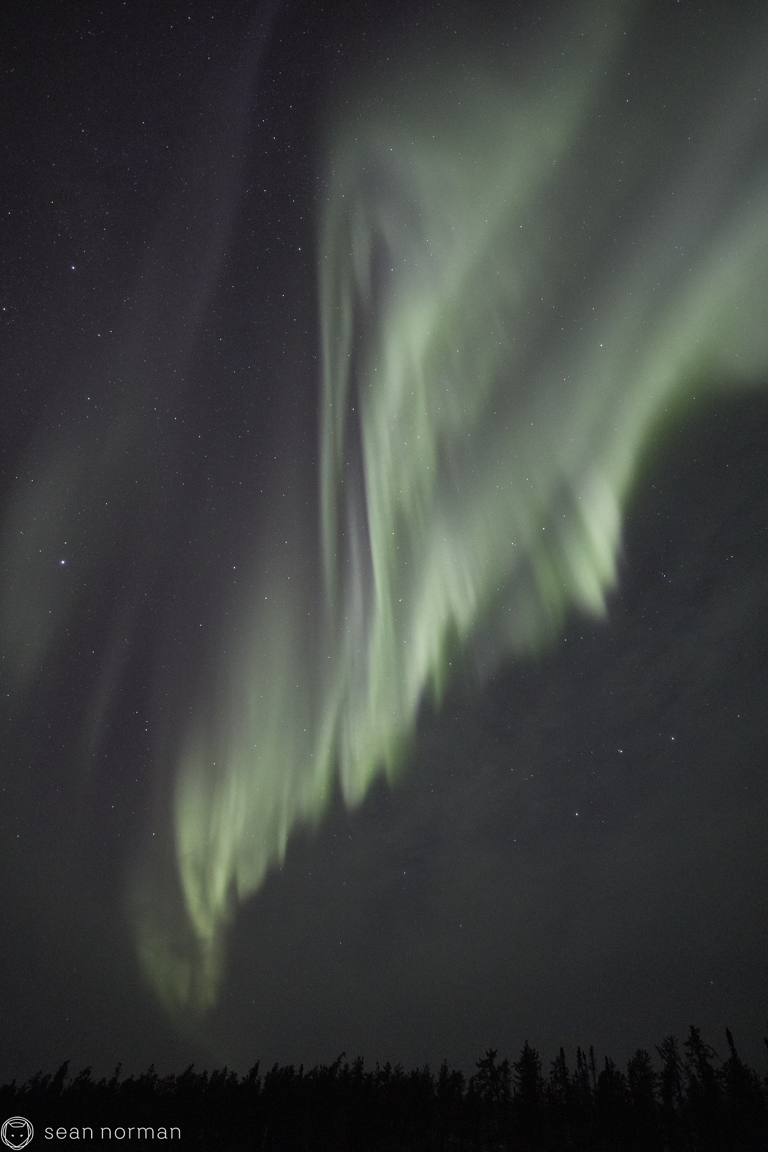 Yellowknife Aurora Tour - Canada Northern Lights Guide Photographer - 2.jpg