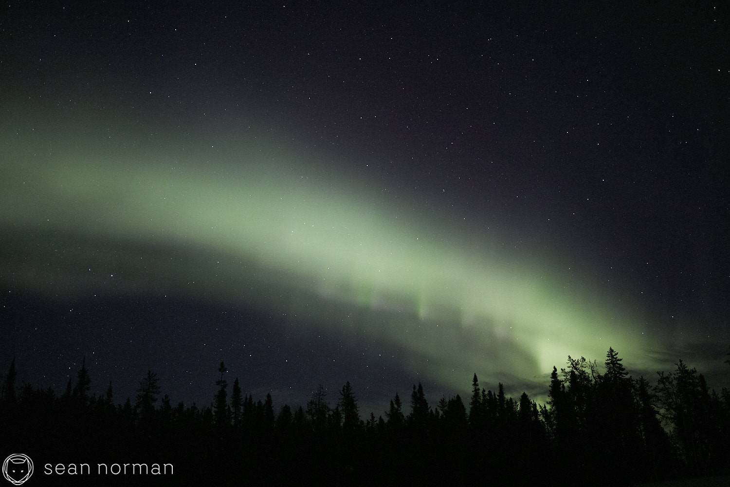 Yellowknife Aurora Tour Guide - Northern Light Photography - Aurora Chaser - 02.jpg