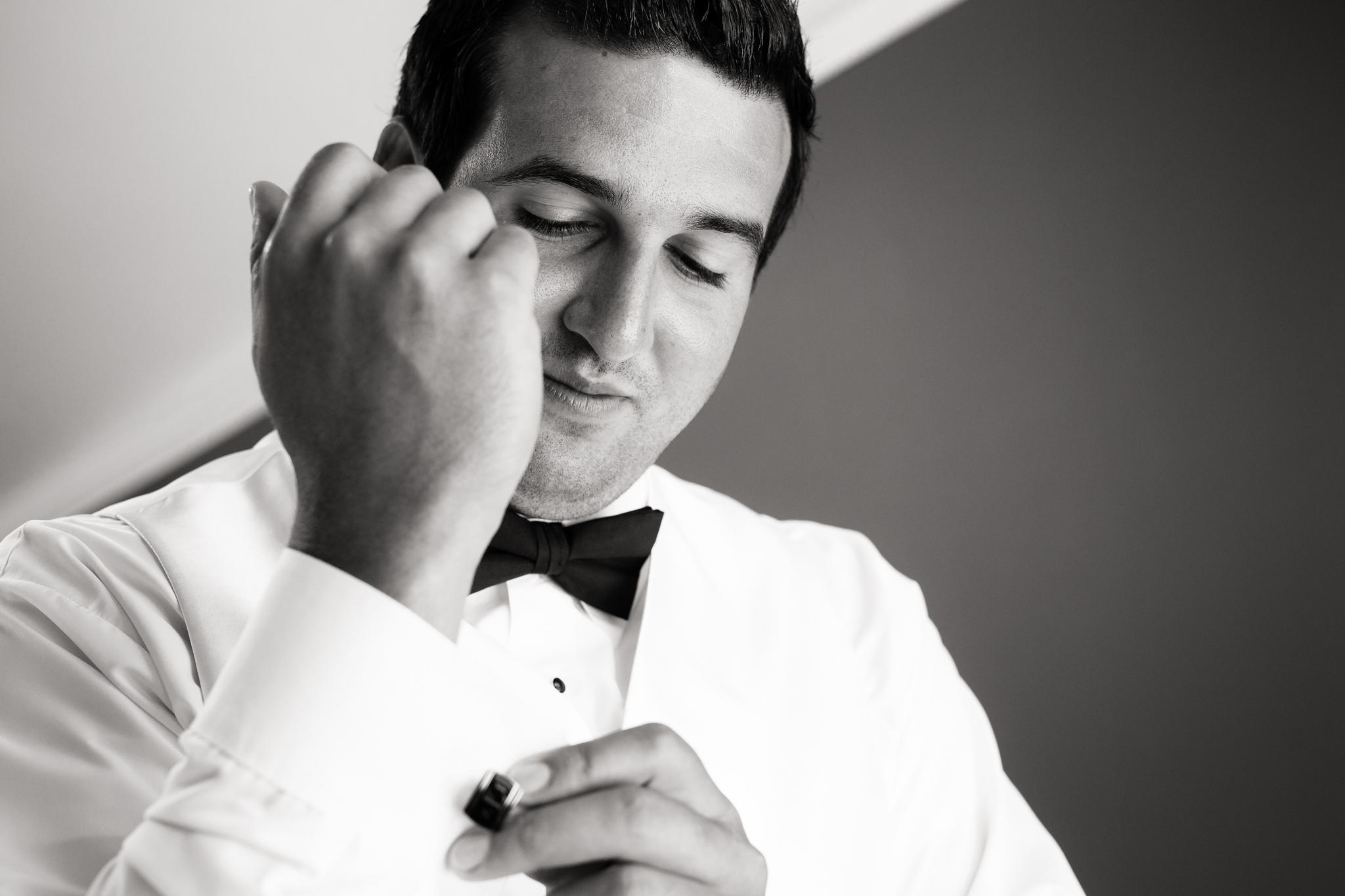 Statler-City-Buffalo-wedding-photographer- 0091bw.jpg