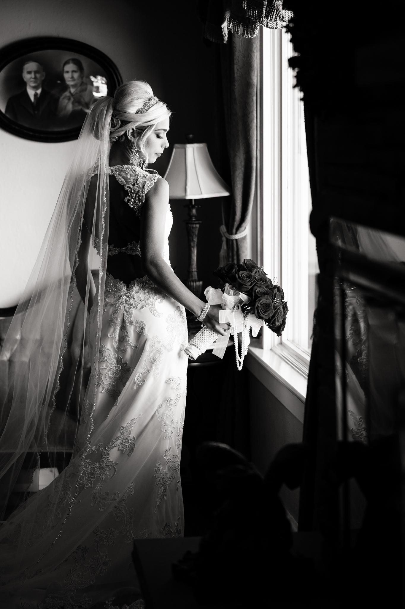 Statler-City-Buffalo-wedding-photographer- 0102bw.jpg