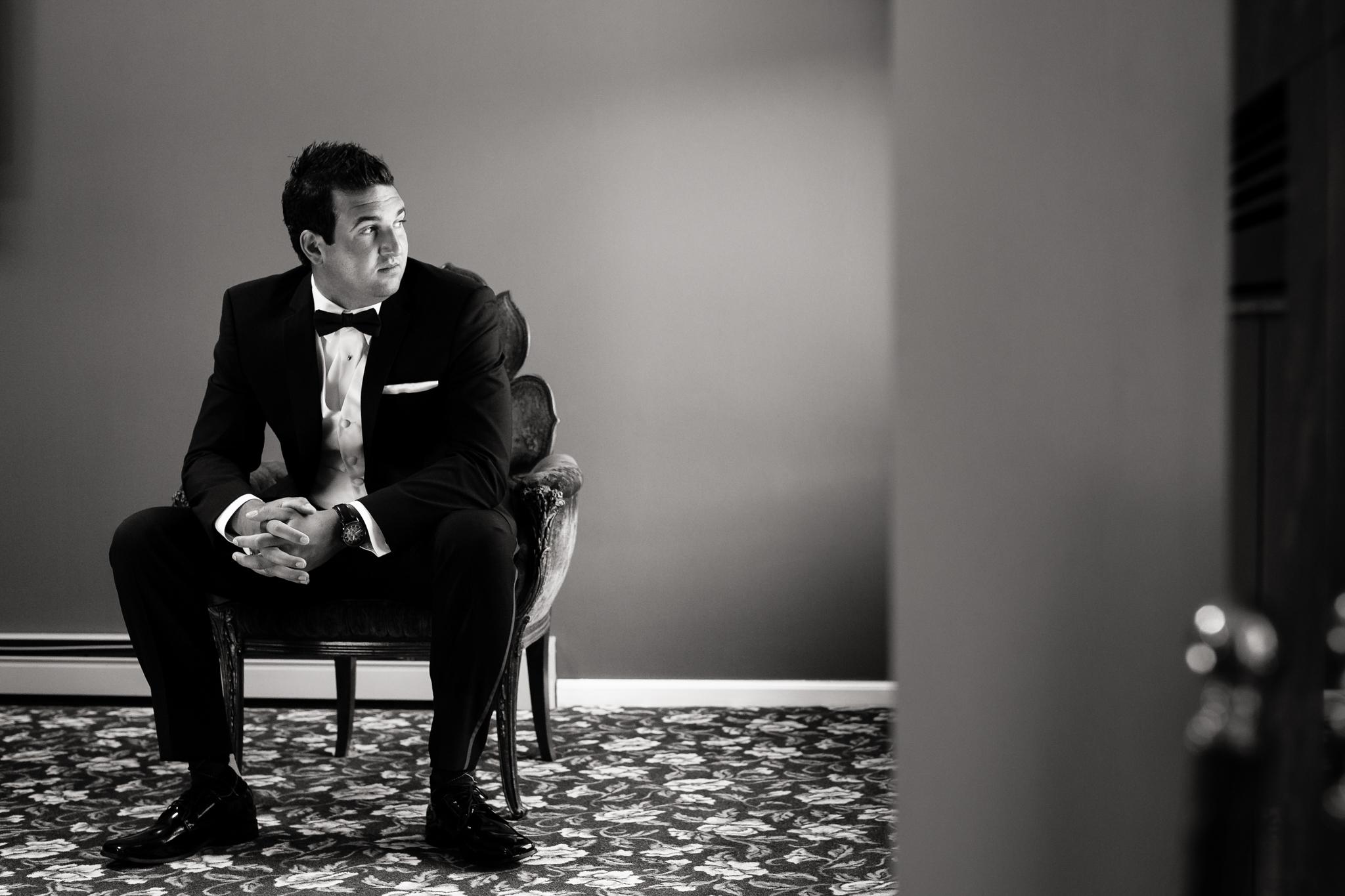Statler-City-Buffalo-wedding-photographer- 0117bw.jpg