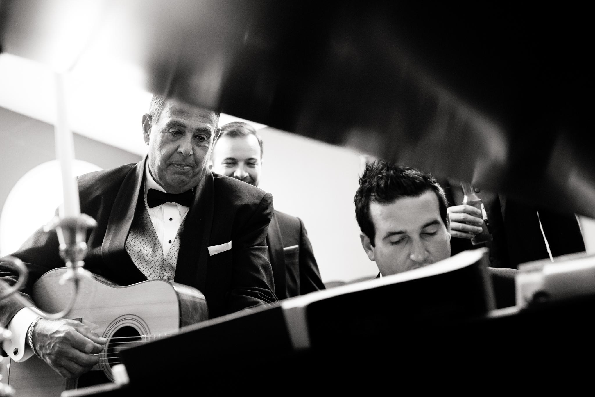 Statler-City-Buffalo-wedding-photographer- 0129bw.jpg