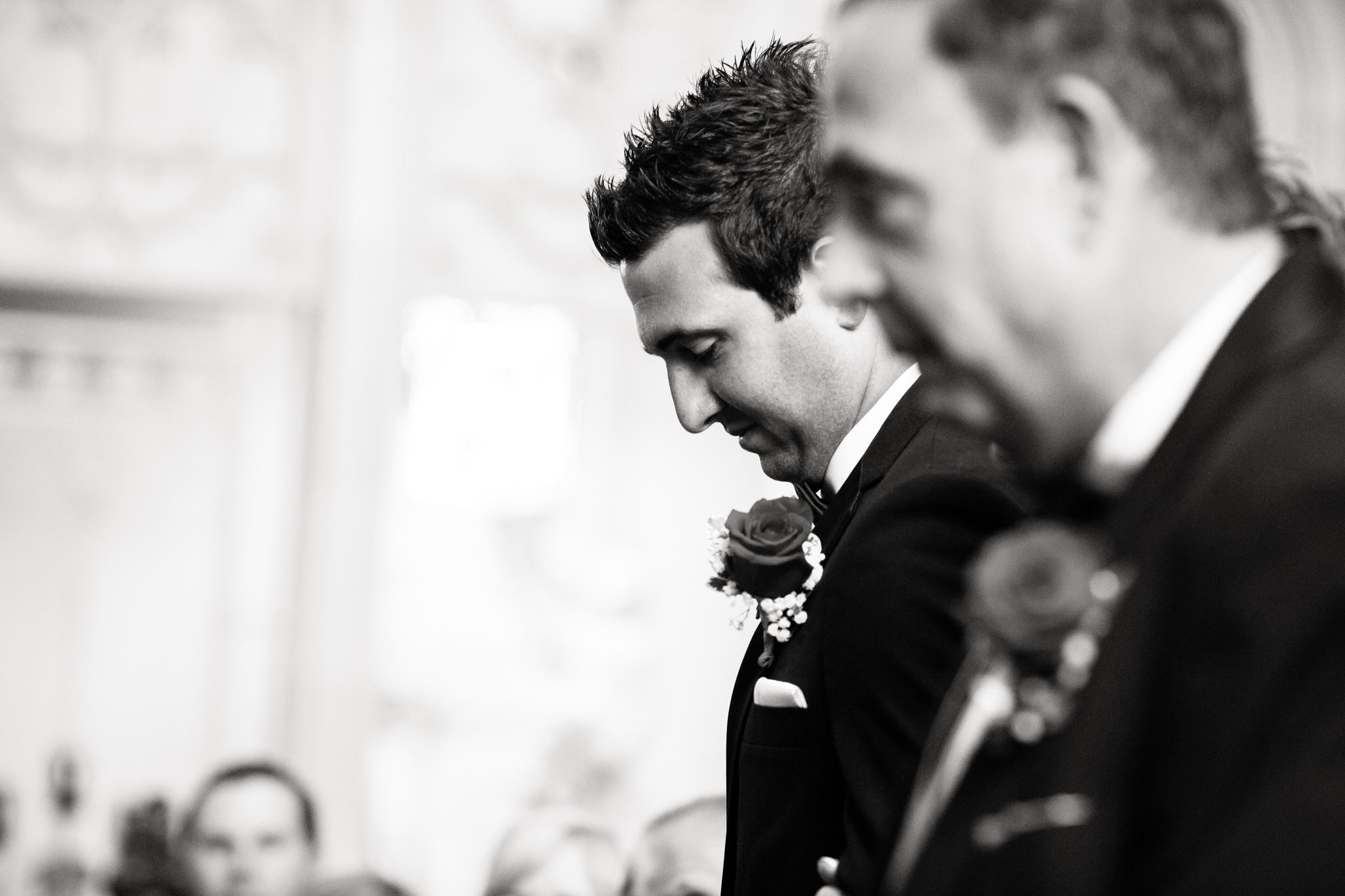 Statler-City-Buffalo-wedding-photographer- 0165bw.jpg