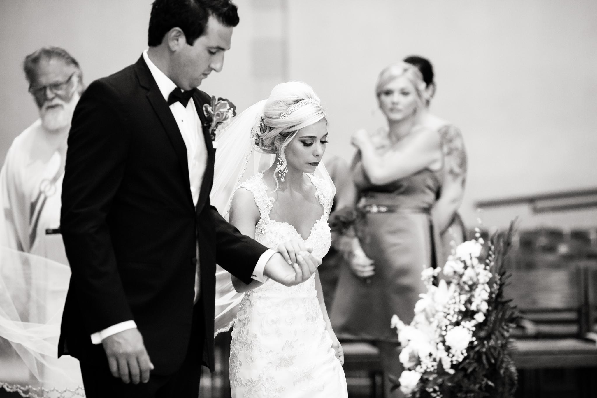 Statler-City-Buffalo-wedding-photographer- 0217bw.jpg