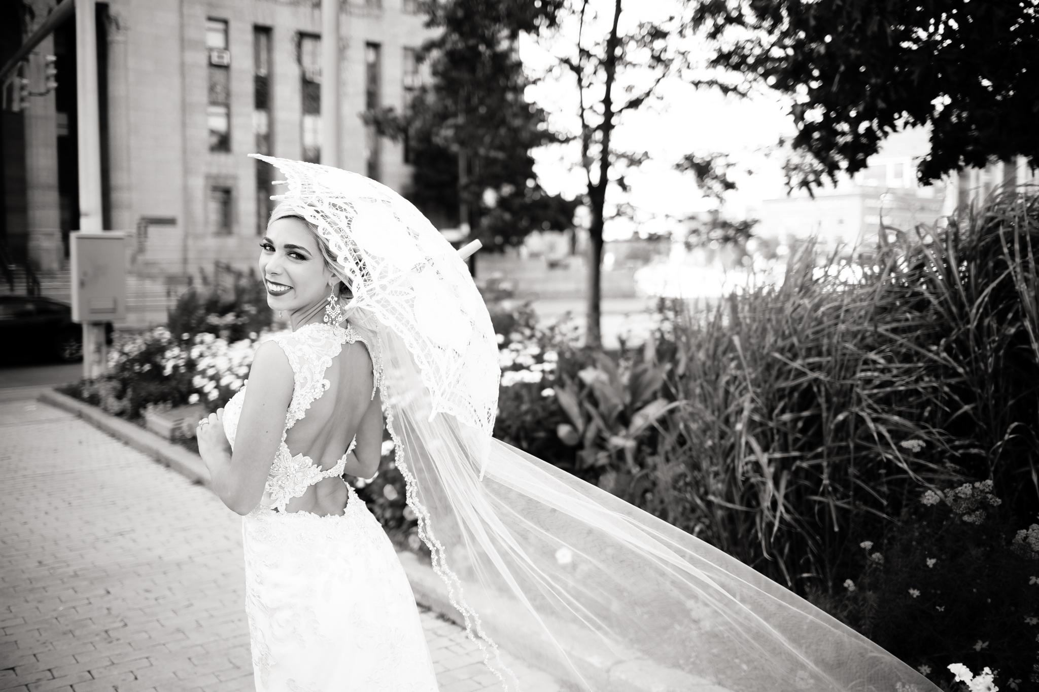Statler-City-Buffalo-wedding-photographer- 0439bw.jpg