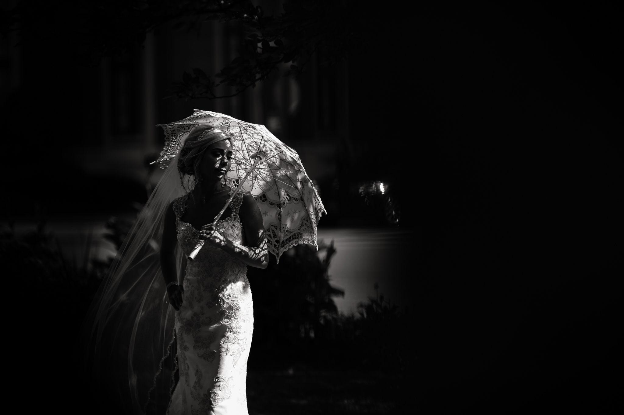 Statler-City-Buffalo-wedding-photographer- 0441bw.jpg
