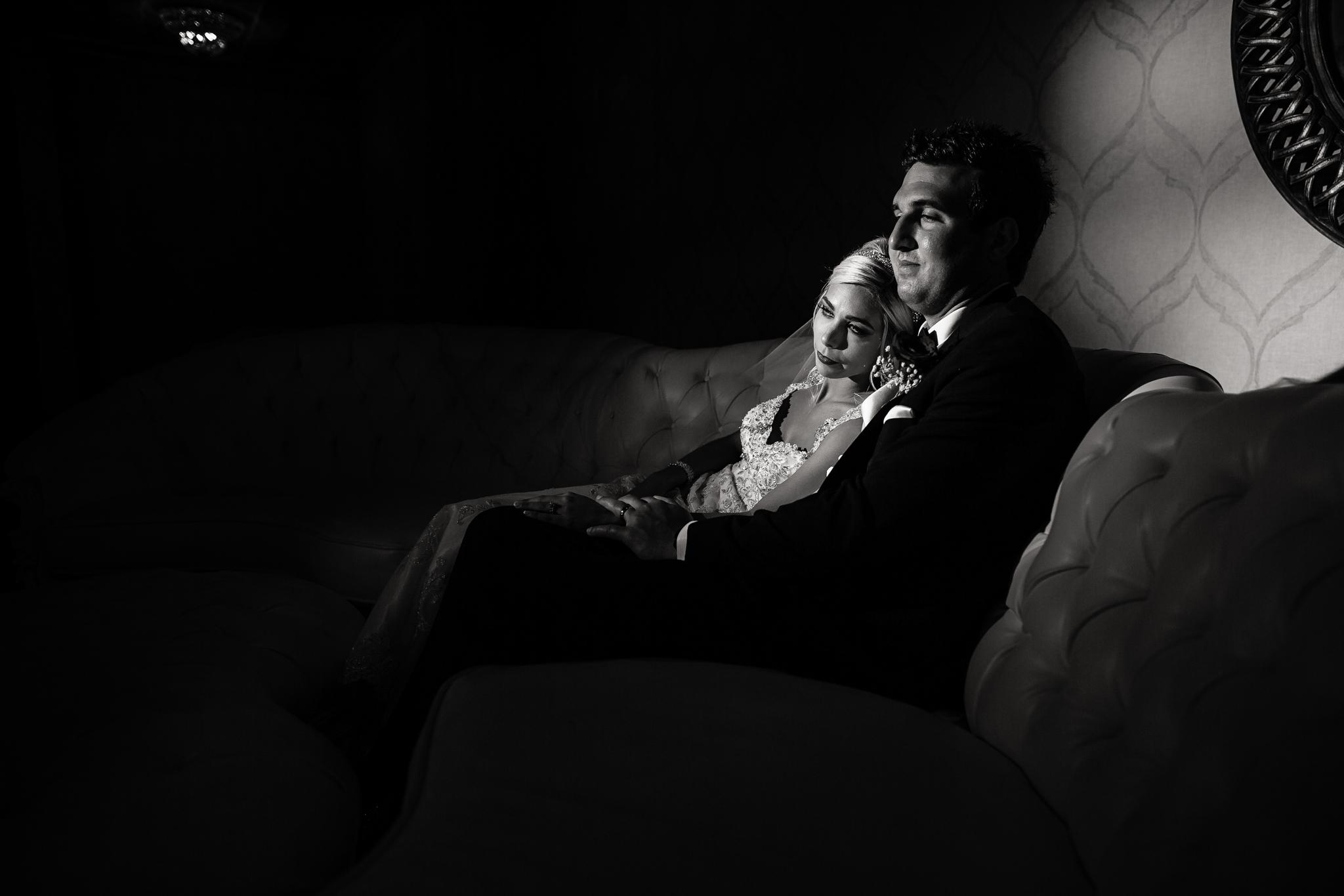 Statler-City-Buffalo-wedding-photographer- 0464bw.jpg