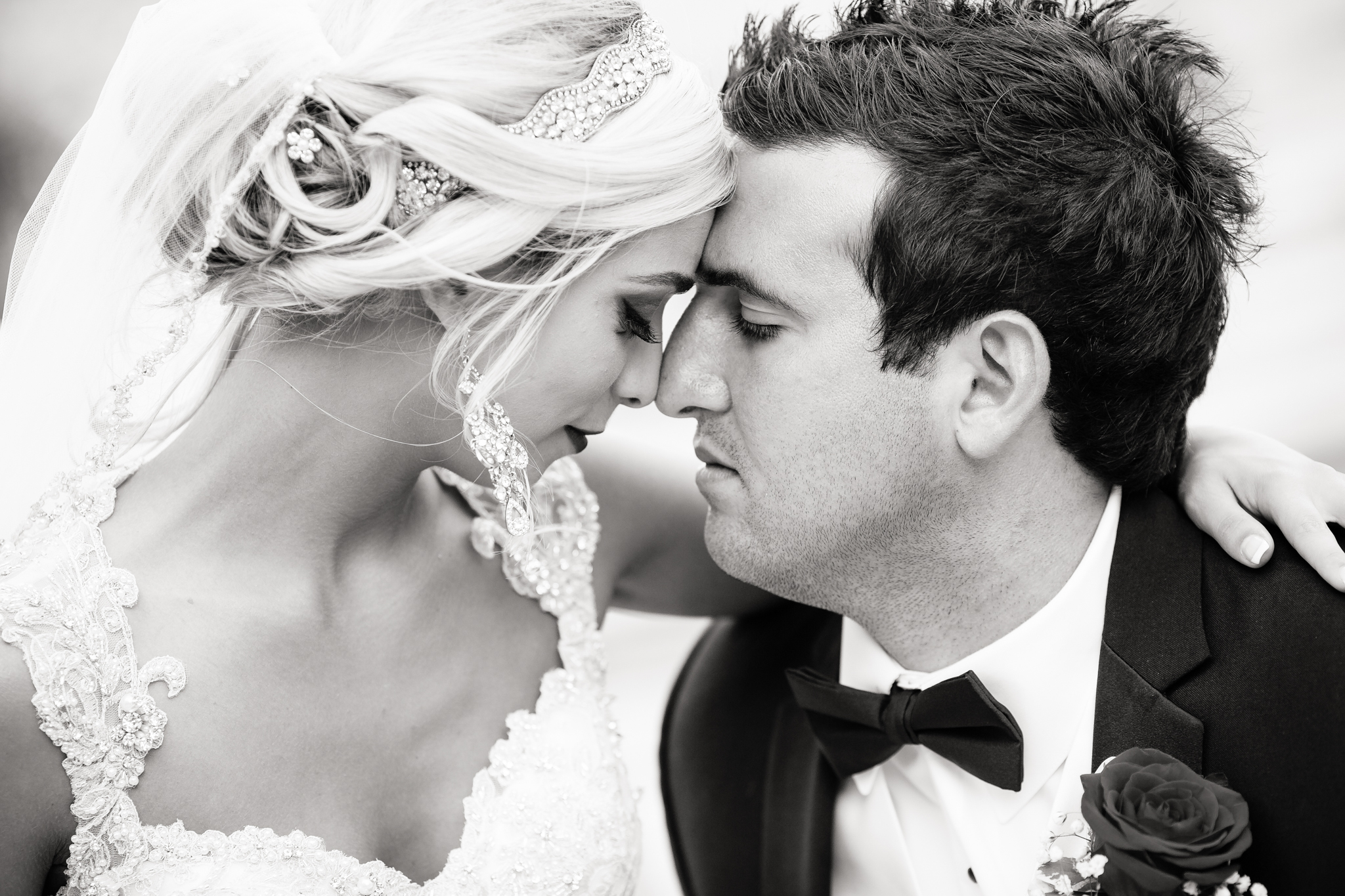 Statler-City-Buffalo-wedding-photographer- 0459bw.jpg
