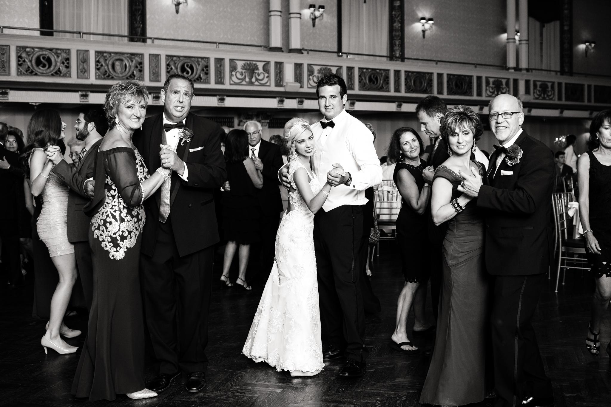 Statler-City-Buffalo-wedding-photographer- 0640bw.jpg