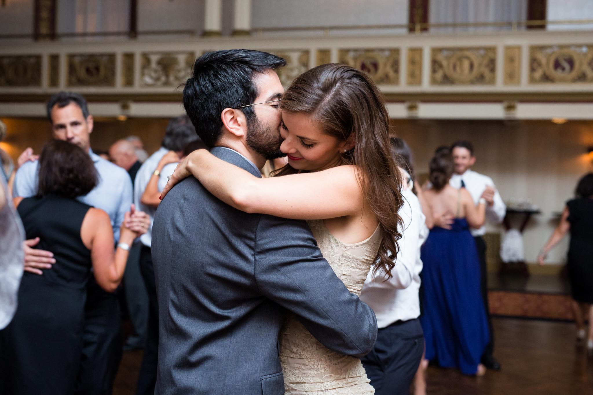 Statler-City-Buffalo-wedding-photographer- 0670.jpg