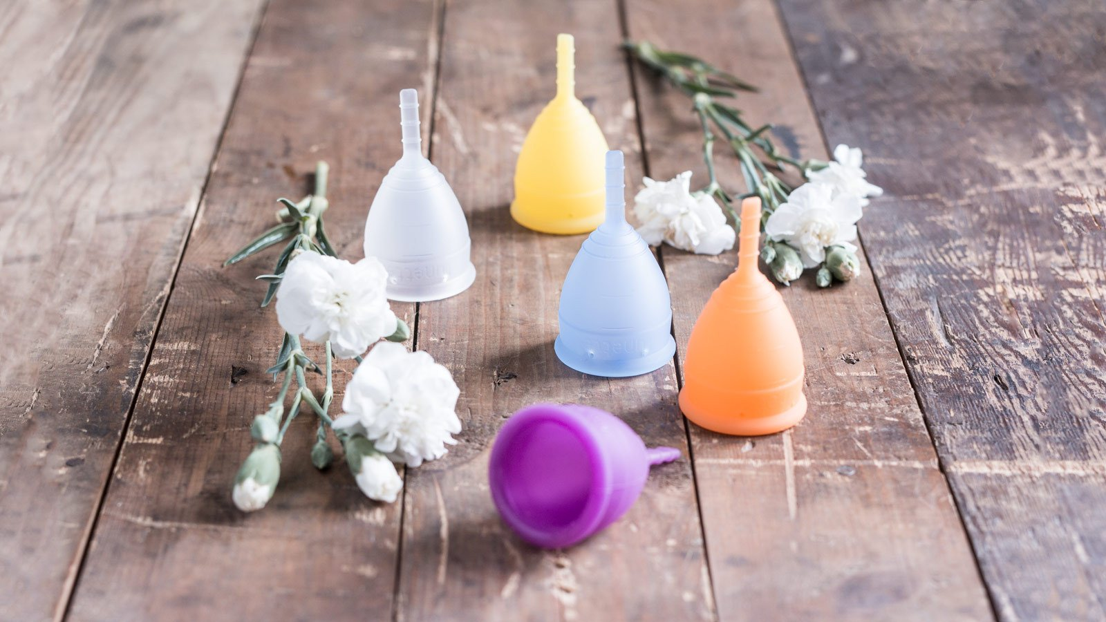 Lunette Cup - I'm hesitant to try this but I am interested in making the switch for less waste, 12 hours of use, and less risk of TSS. Shop Here.