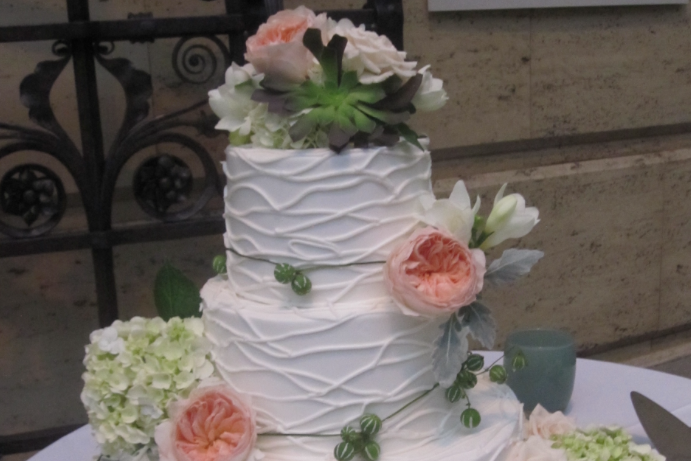 Morfey's Cakes   206-283-8557   EMAIL   Come to Morfey's in Seattle for a memorable wedding cake. Our wedding cakes are beautiful, delicious, and reasonably priced. Call to schedule a sitting.