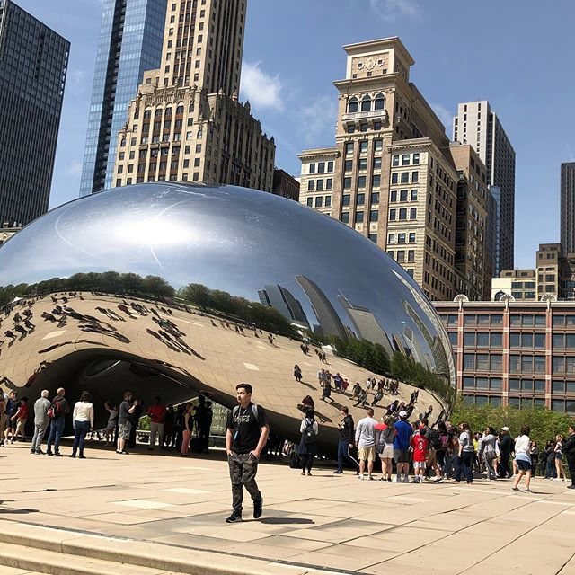 I'm in Chicago for the @snagmetalsmith annual conference.  So excited to meet other metals people that I only see once a year. #cydrowley #snagconference #riograndejeweler #chicagosculpture #chicagoart #milleniumpark