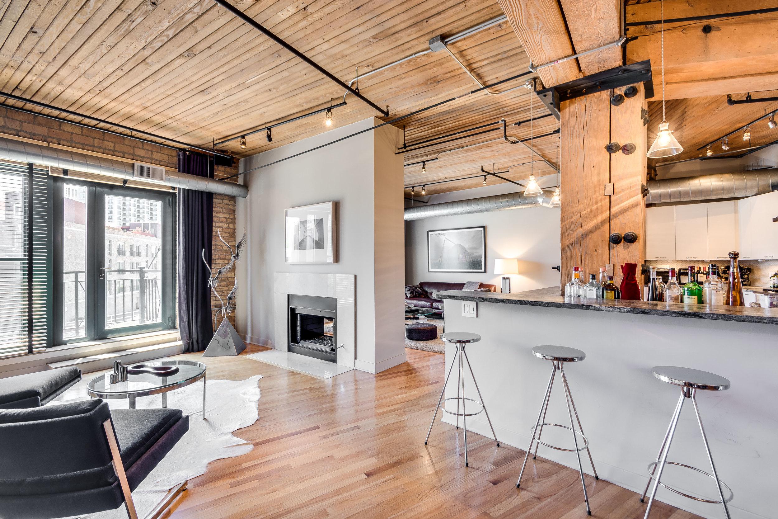 Living Room 411 W Ontario 504.jpg
