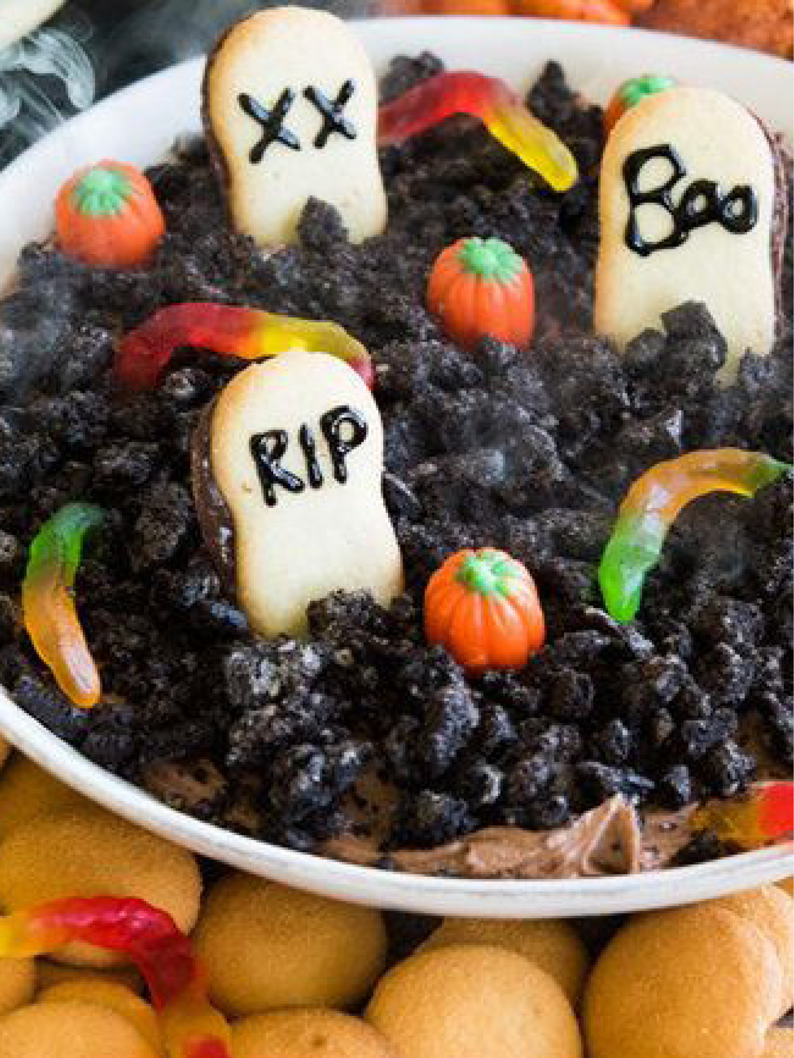 How To Make A Graveyard-Themed Dessert Dip For Halloween  Buzzfeed