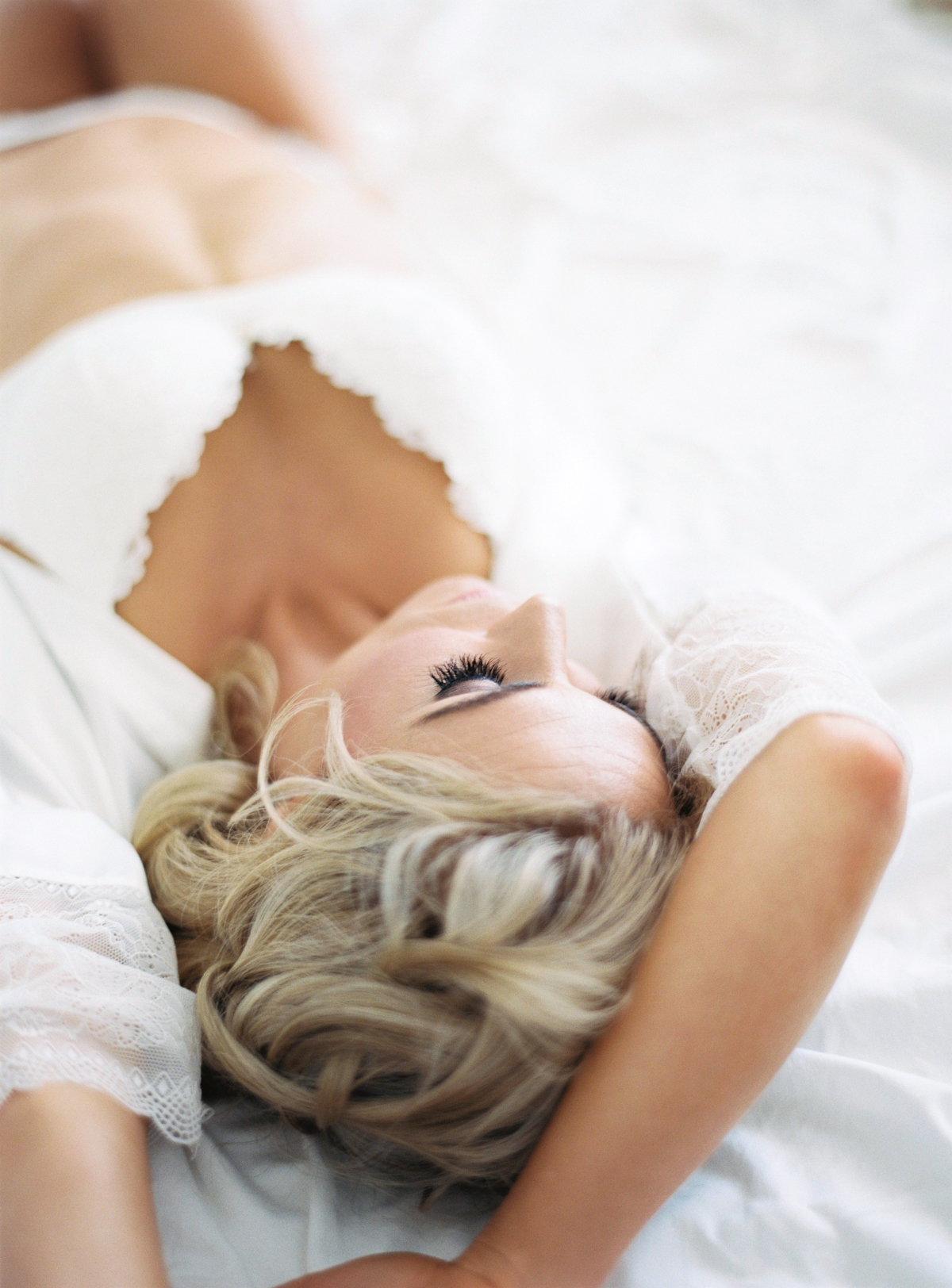 00047- Firgrove Bridal Boudoir_.jpg