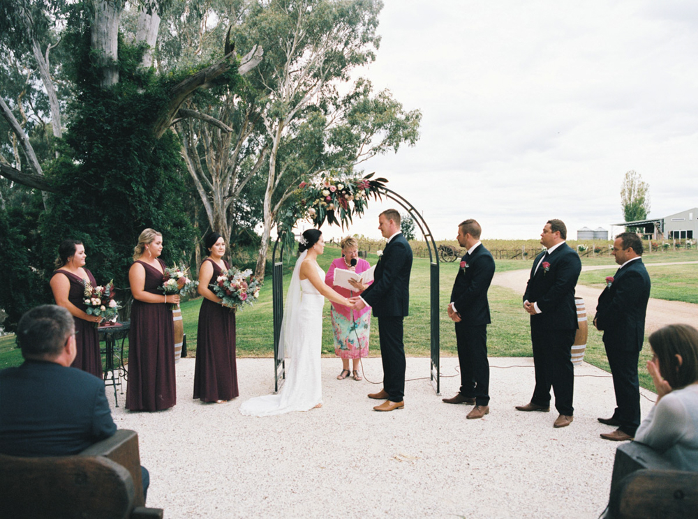 00023- Lazy River Estate Dubbo Wedding Photo.jpg