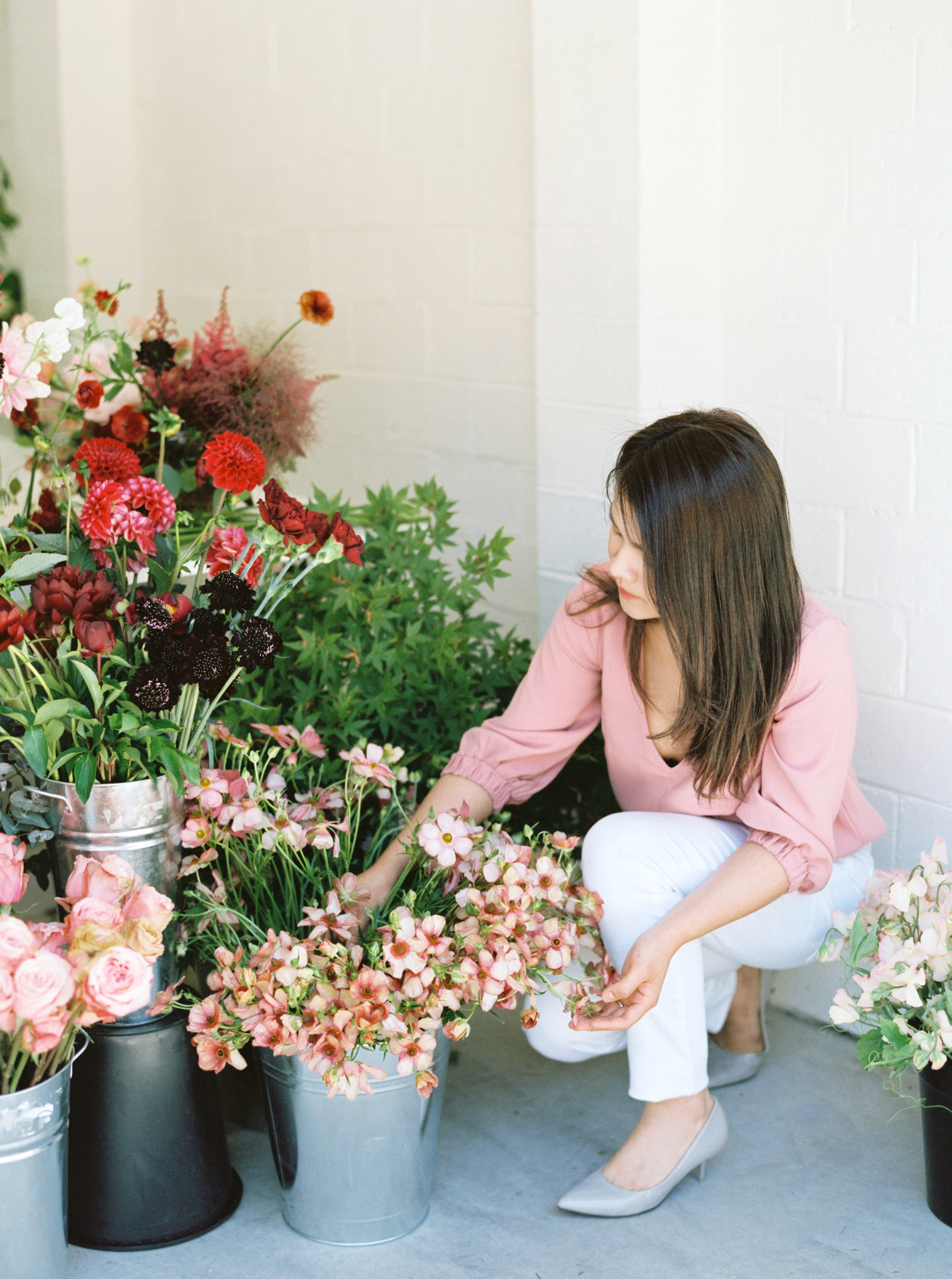 00006- Sydney Wedding Florist Flower Arrangement Mudgee Orange NSW Fine Art Film Lifestyle Photographer Sheri McMahon_.jpg
