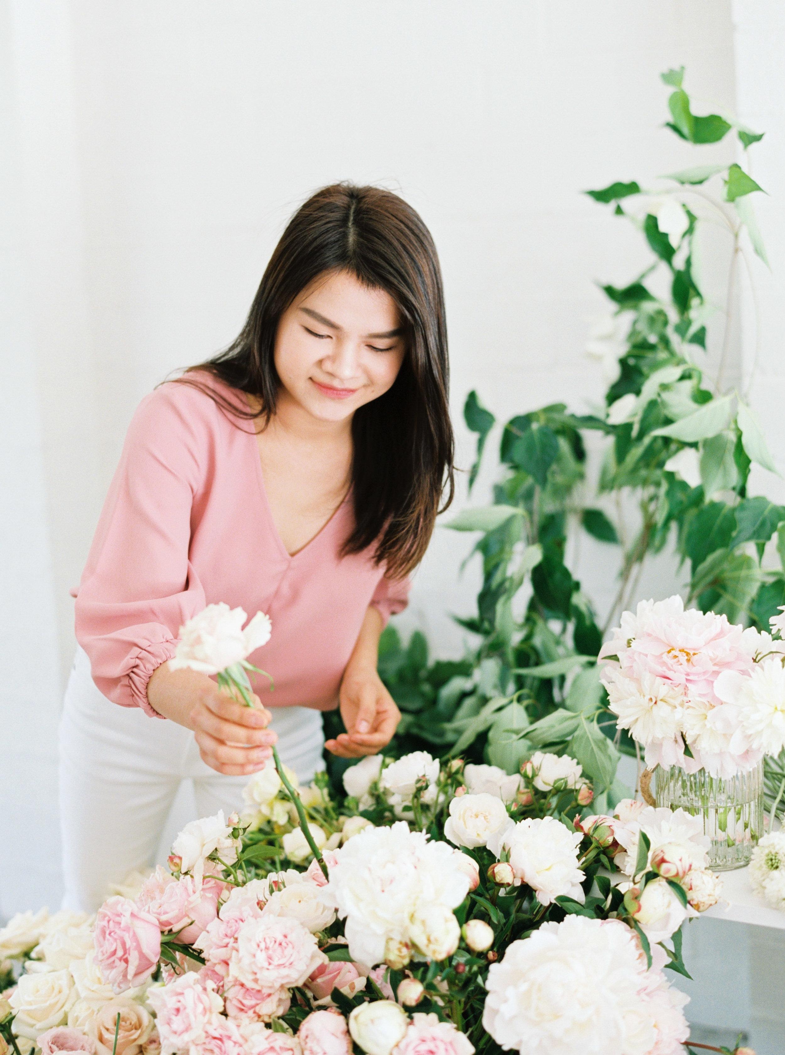 00040- Sydney Wedding Florist Flower Arrangement Mudgee Orange NSW Fine Art Film Lifestyle Photographer Sheri McMahon_.jpg