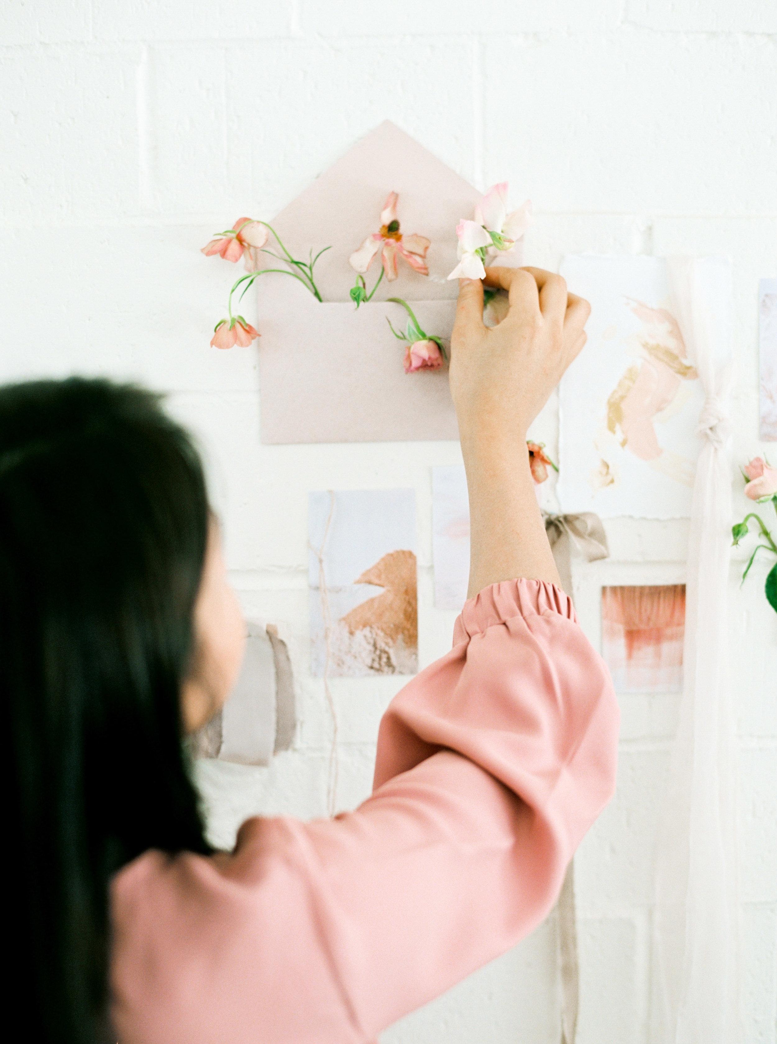 00044- Sydney Wedding Florist Flower Arrangement Mudgee Orange NSW Fine Art Film Lifestyle Photographer Sheri McMahon_.jpg