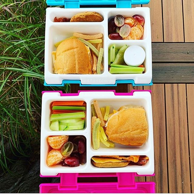 A couple of pretty sweet looking lunches via @lunch.monkey 🌸