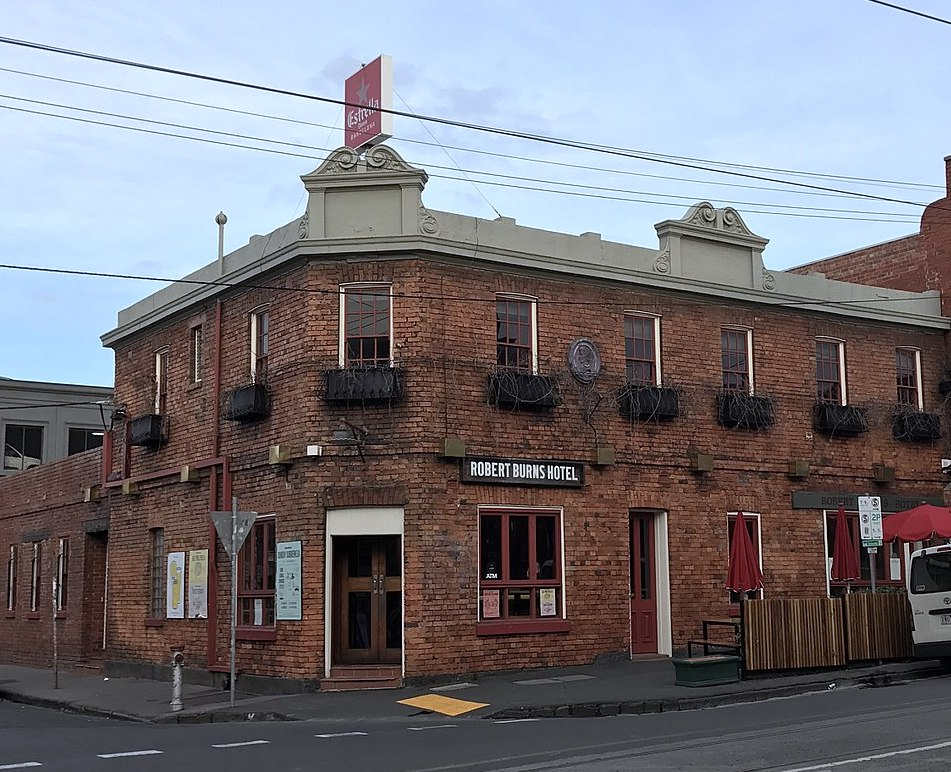 1280px-Collingwood_Robert_Burns_Hotel.JPG