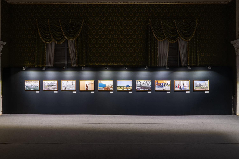 """Allestimento di """"2030 Birth of a Metropolis"""" esposto in precedenza a Photolux (Palazzo Ducale a Lucca)"""