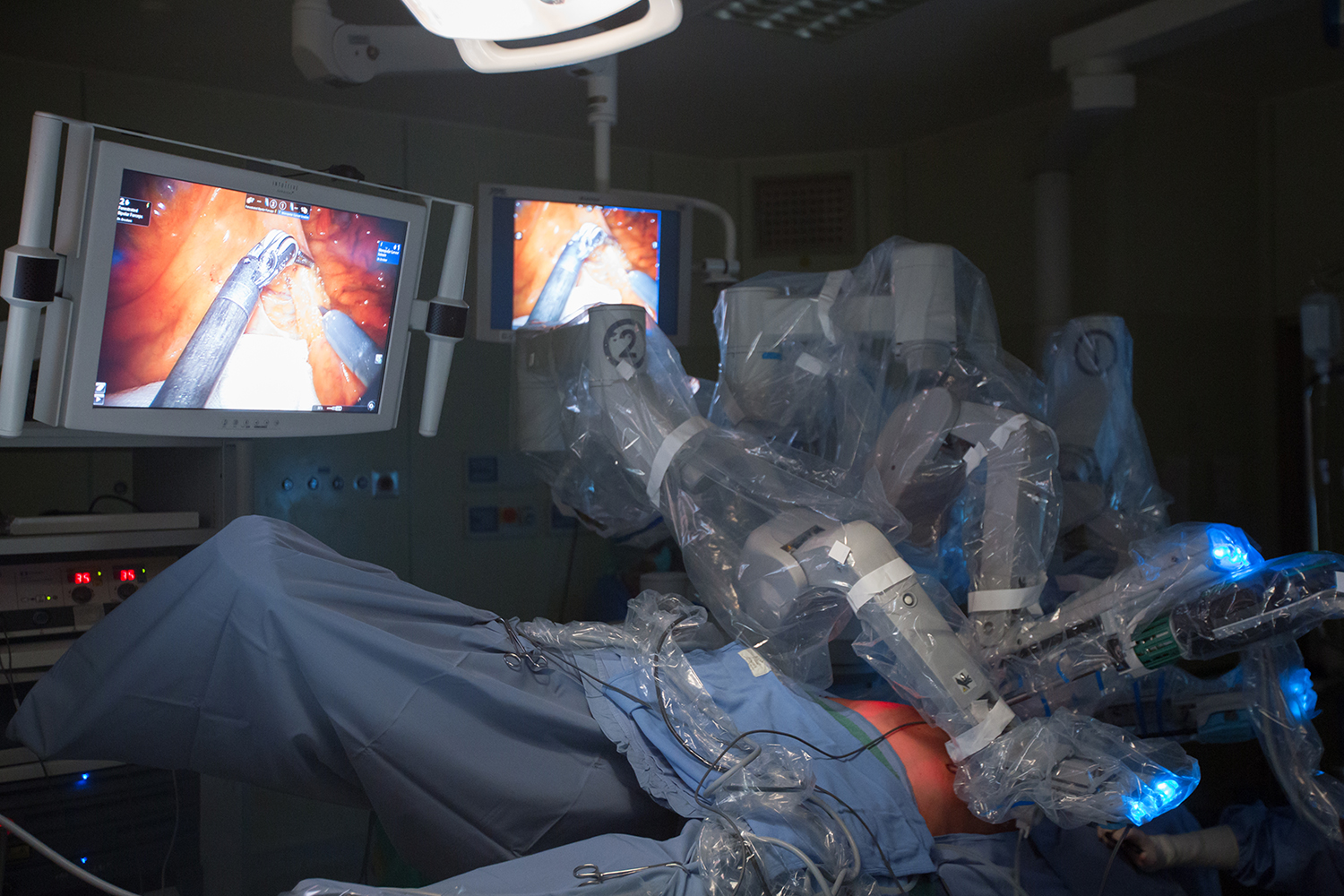 "Robot ""Da Vinci"", at the Morgani-Pierantoni Hospital in Forlì."