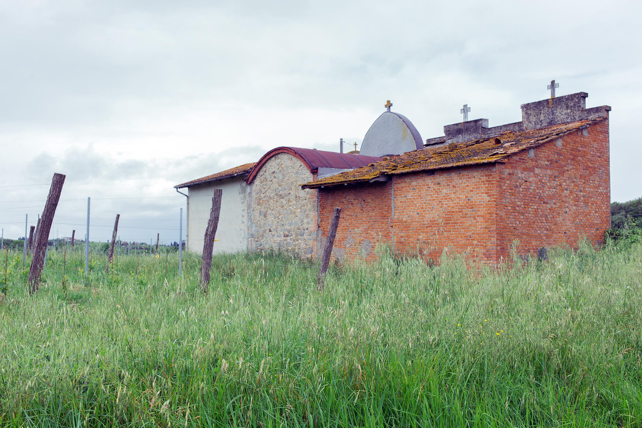 Cimitero di San Pantaleo, a Vinci (FI).