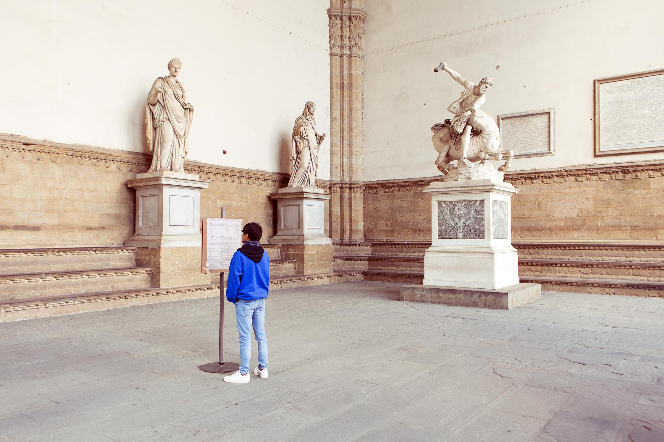 Loggia della Signoria, in Piazza della Signoria a Firenze.
