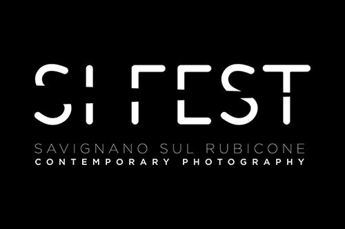 """Identity and Belonging - MASTERCLASS DI FOTOGRAFIASavignano (FC), 15 Settembre 20191 Lezione teorica in aula (in Italiano)Organizzato dal """"SI Fest, Festival di Fotografia"""""""