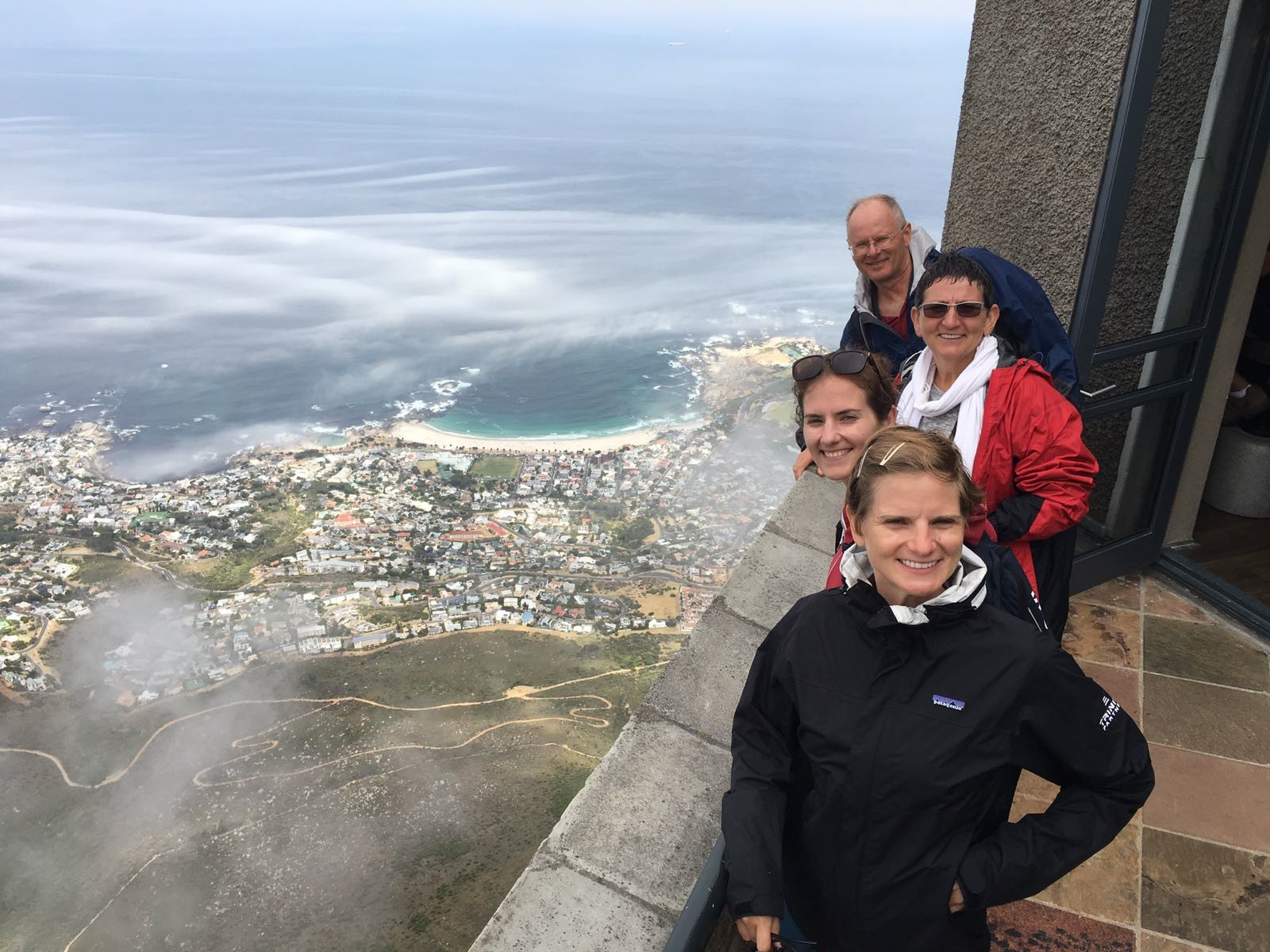 Marcella, Winnie, Francien and Frank on top of Table Mountain
