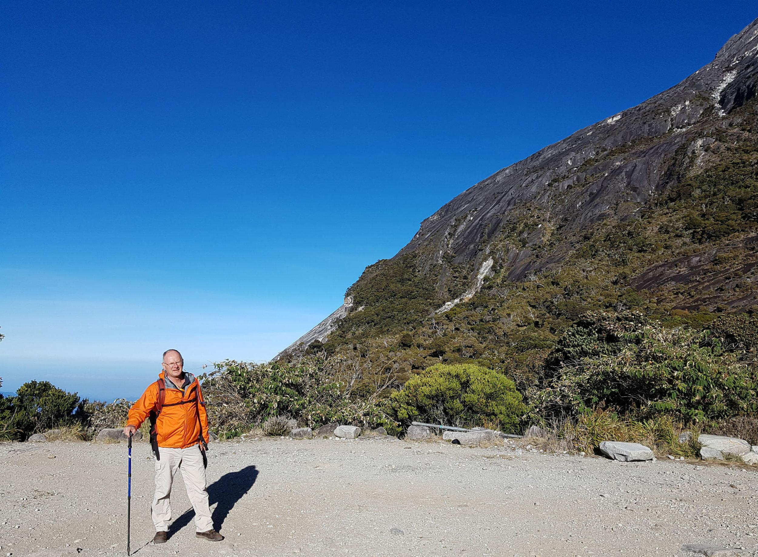 At 3250 meters the sky was dark blue.