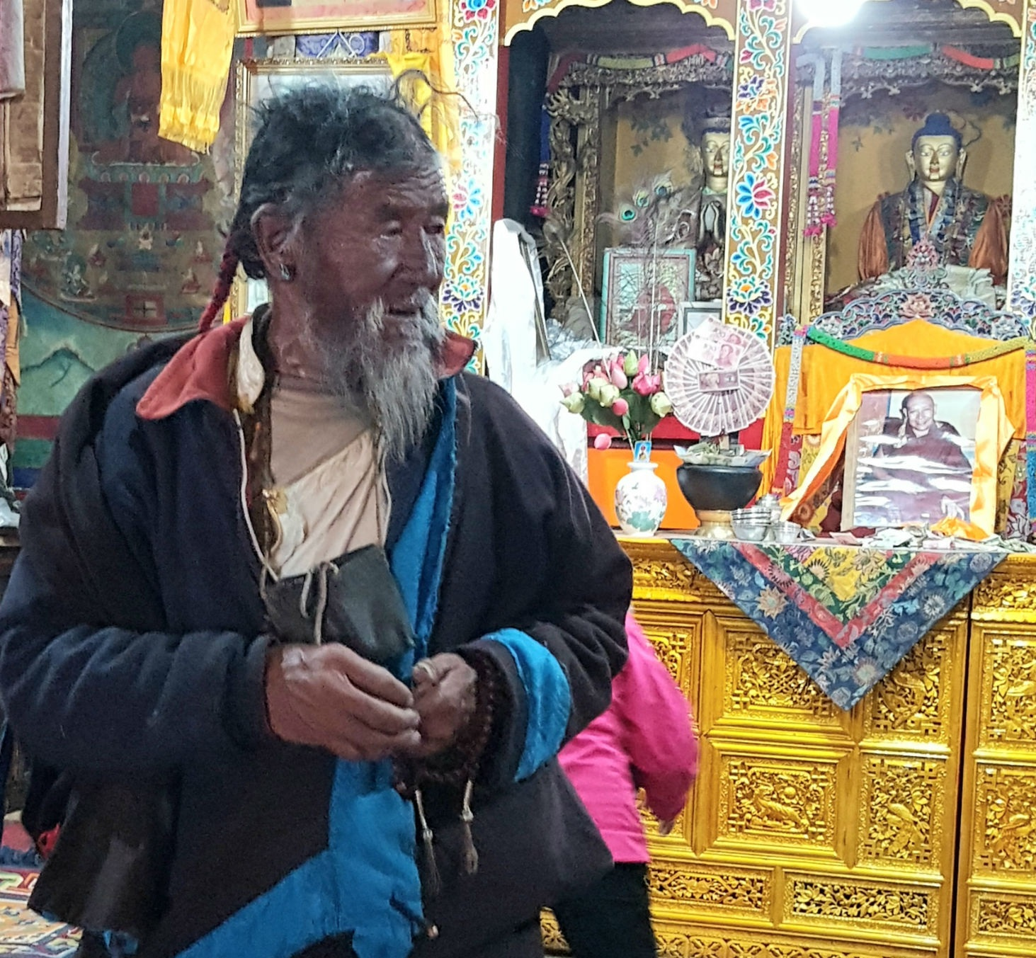Pilgrim praying in Rongbuk Monastery