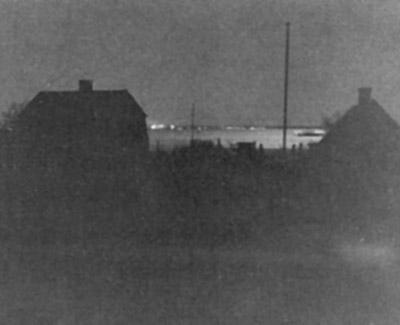 Ljusen från Sverige på andra sidan kriget - Danmark är mörklagt