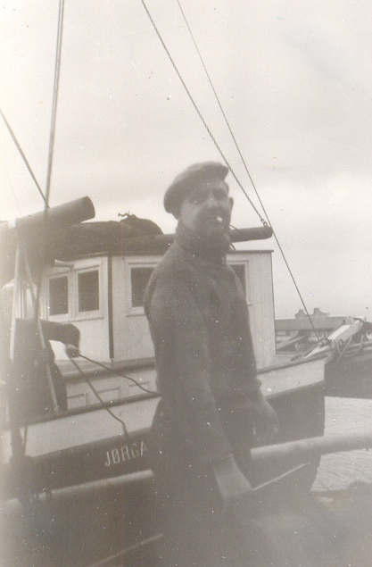Sjökapten Kofoed å depåfartyget Jörga.jpg