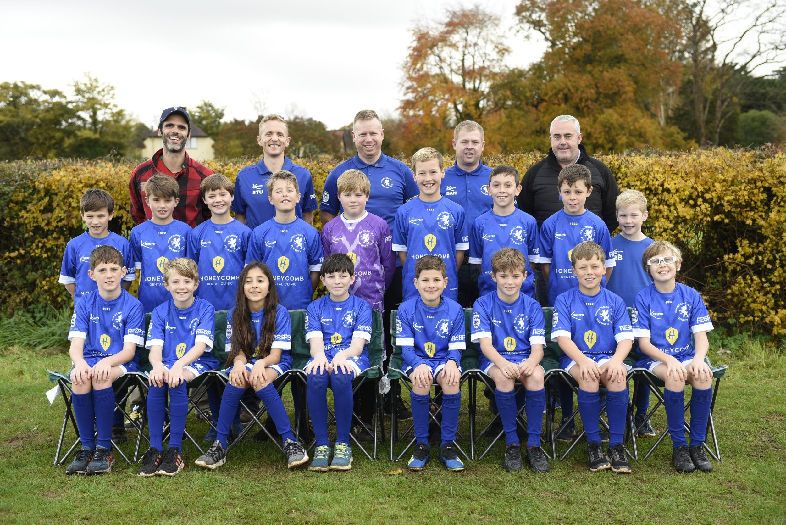 HCD_Wincombe_warriors_football_kit_team_photo_with_miguel_nov_2018.jpg