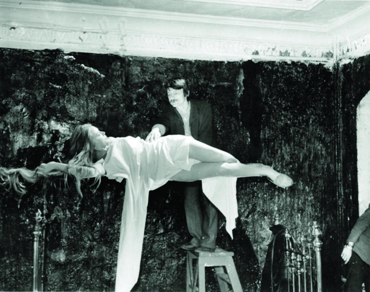 "Andréi Tarkovsky ""The mirror"" (1975).  Andréi Tarkovsky International Institute"
