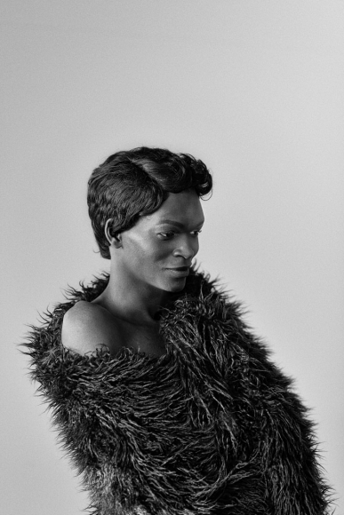 Yaya Mavundla II, Parktown, Johannesburg , 2017 from the series  Brave Beauties   Above:  Somnyama Ngonyama II, Oslo, 2015