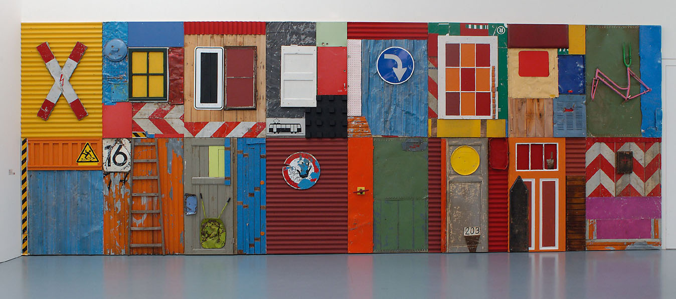 Antonio Olé, Townshipwall No. 611 , 2004. Featured in  Africa Remix: Contemporary Art of a Continent (curated by Simon Njami) at the Museum Kunst Palast, as part of  Africa '05 .  Above: Ph:Jaimie Gramston.