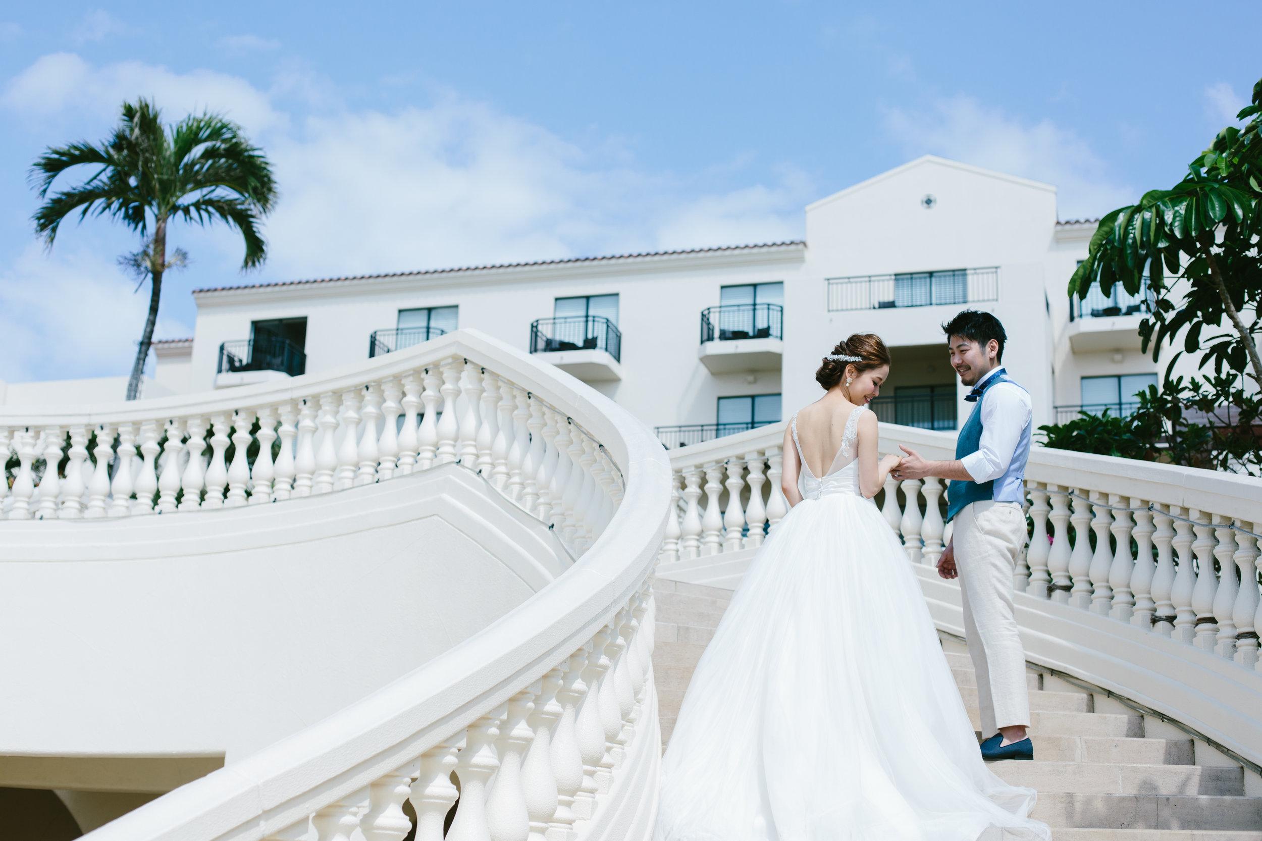 Photo Wedding - 式場によっては 持ち込み撮影自体が不可という事もありますが式後のロケーション撮影のみも可能です。その場合はコチラへ。当日スケジュールに時間の余裕があればホテル施設内やロケーションの撮影も含まれています。