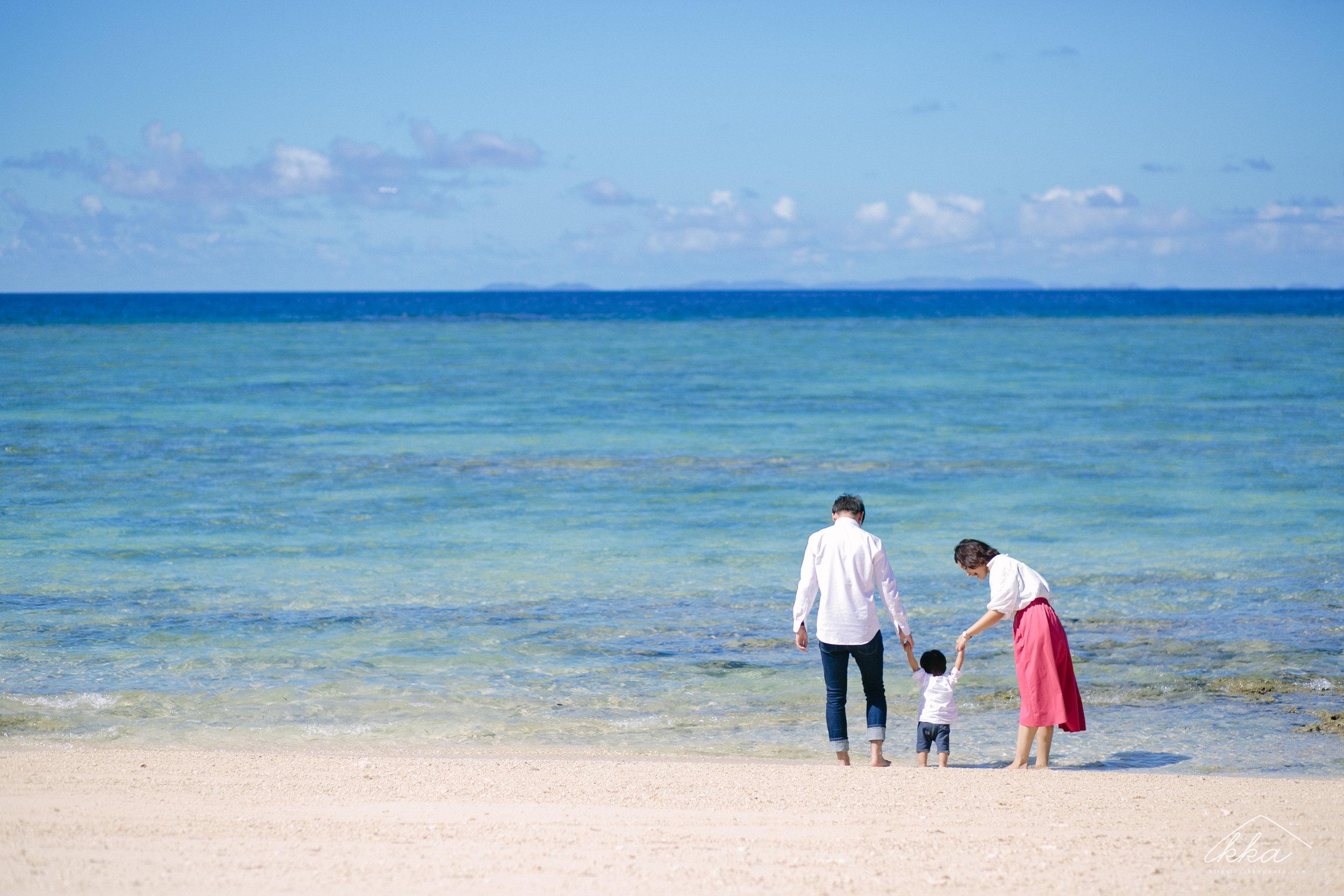 沖縄家族写真-1.jpg