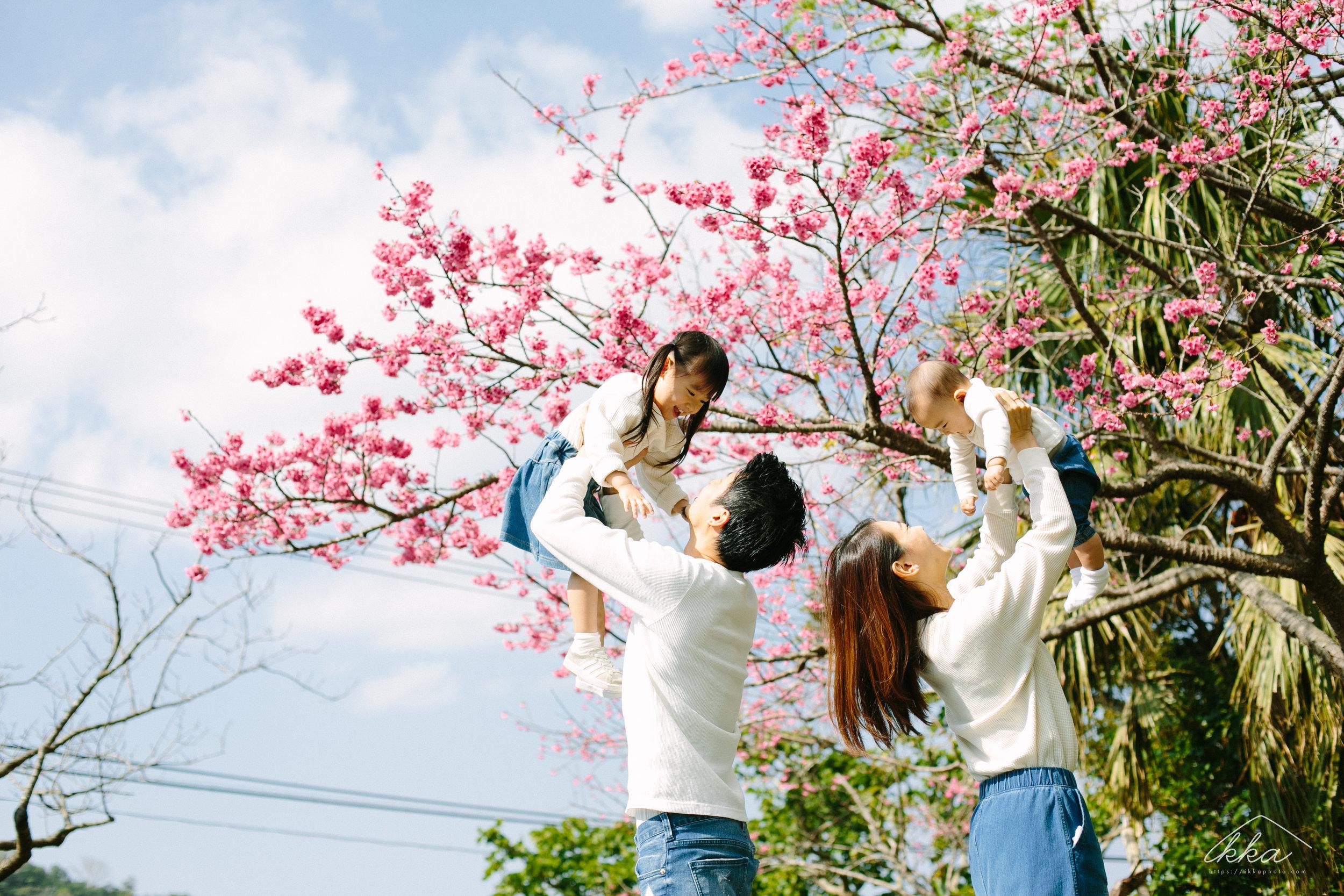 沖縄桜ファミリーフォト-2.jpg