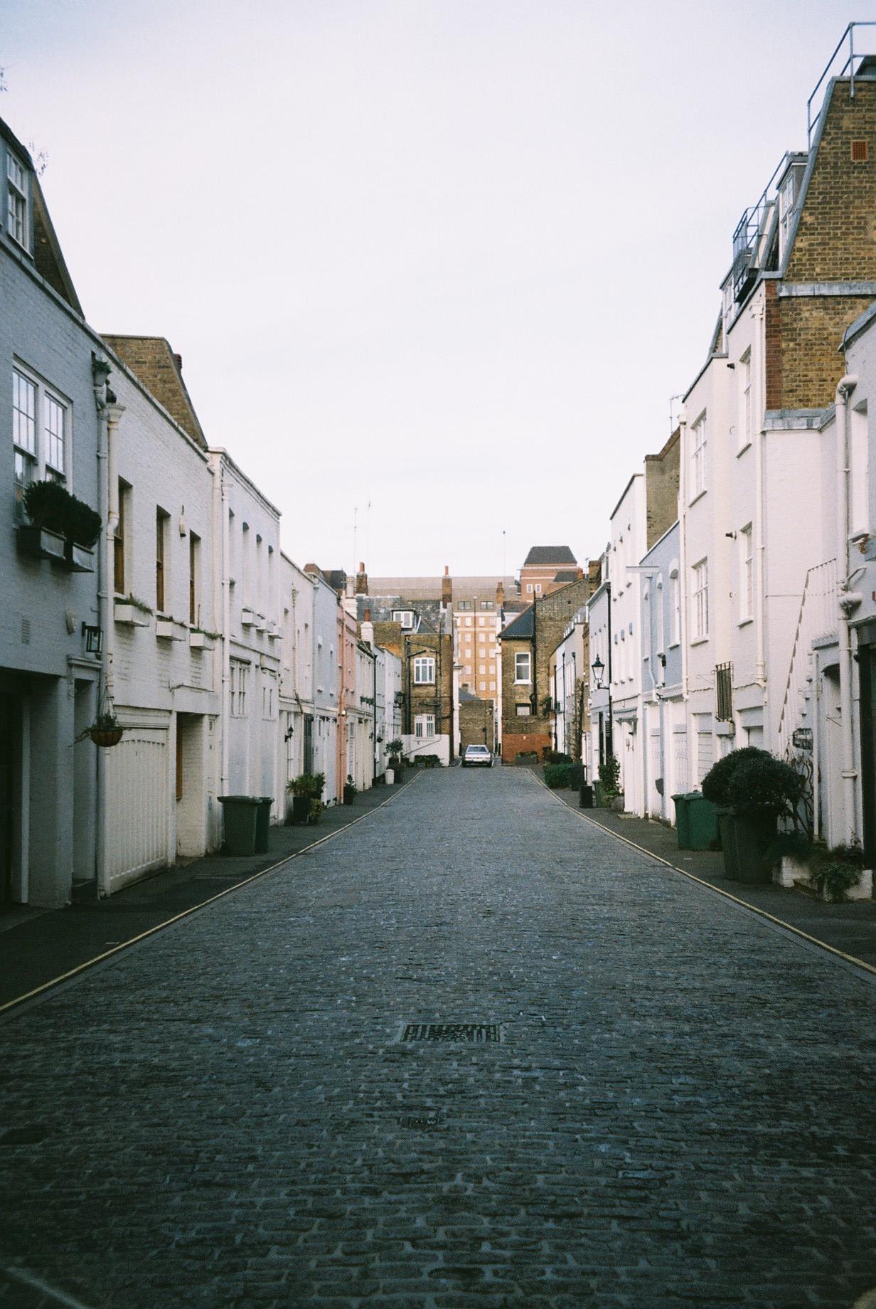 Another mews in Marylebone, one of my favourite neighbourhoods in London.  / Mais um mews na zona da Marylebone, um dos meus bairros preferidos de Londres.