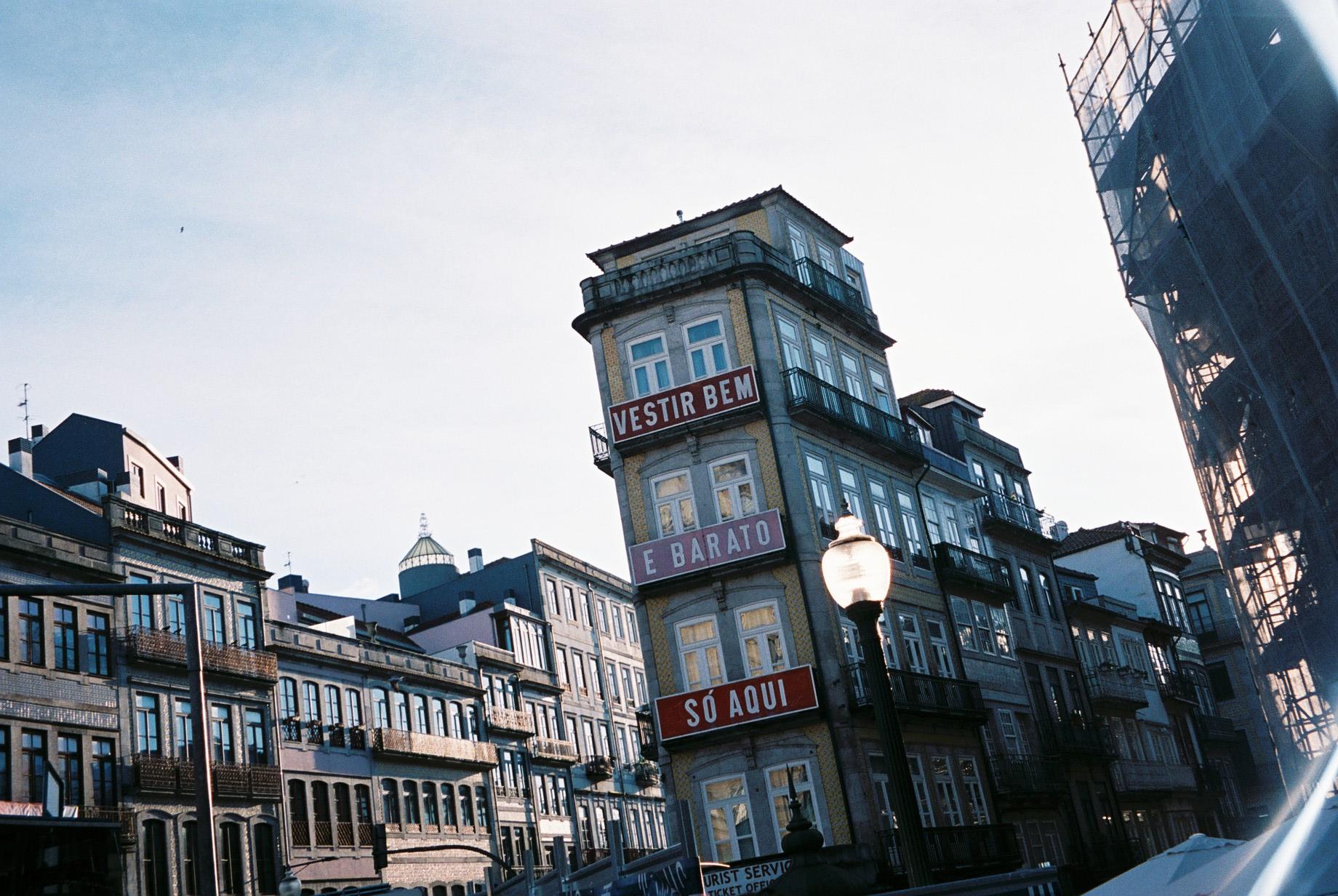 Porto, downtown.  / Porto, baixa.