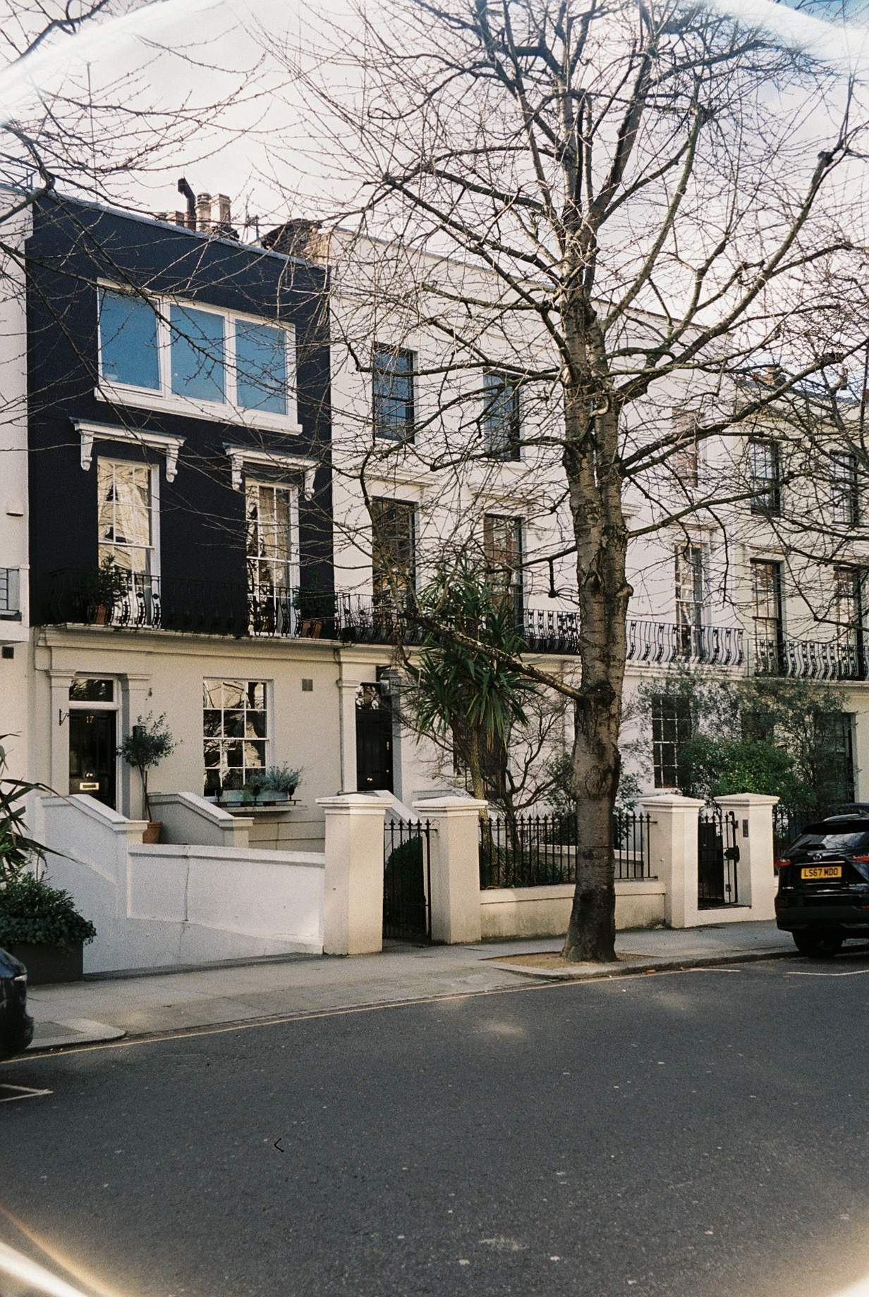 Notting hill and its immaculate townhouses. / Notting hill e as suas Imaculadas fachadas.