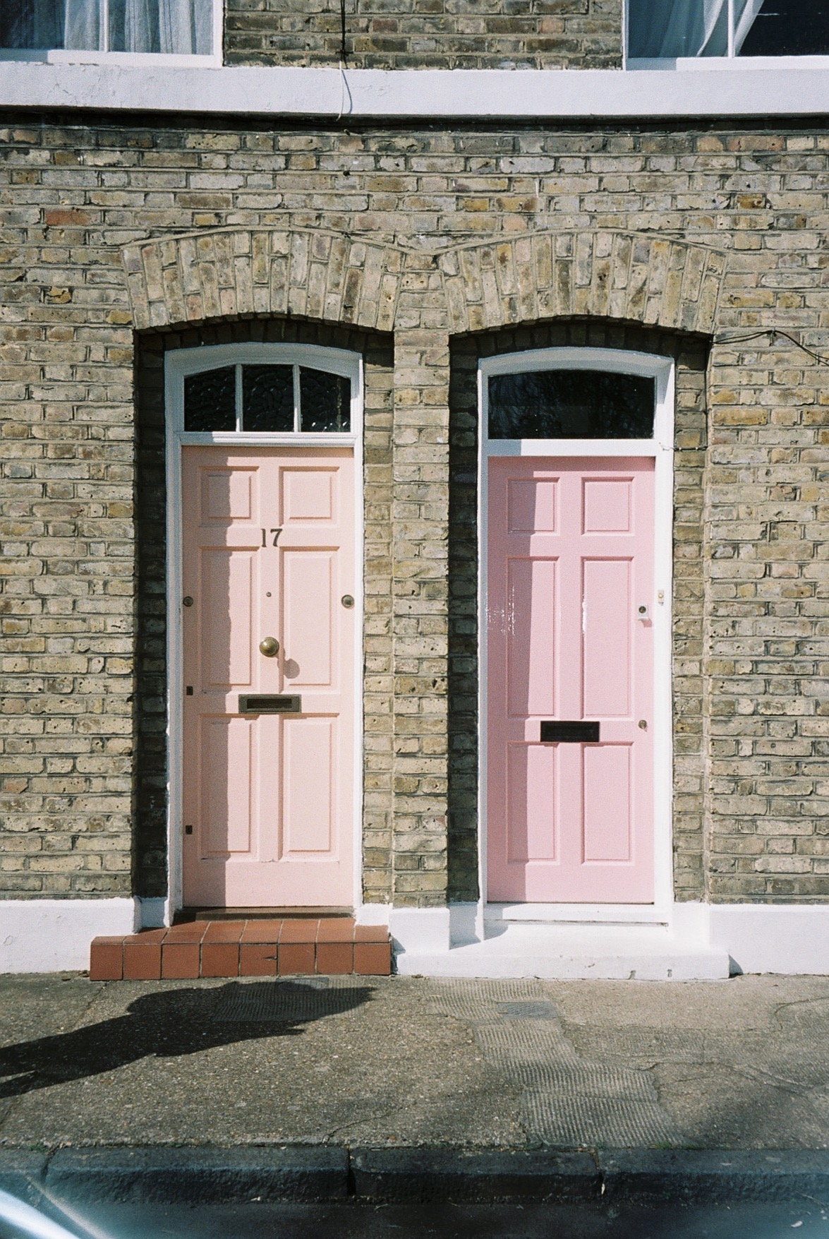The cutest doors near by Columbia Road.  / As portas mais amorosas perto de Columbia road.