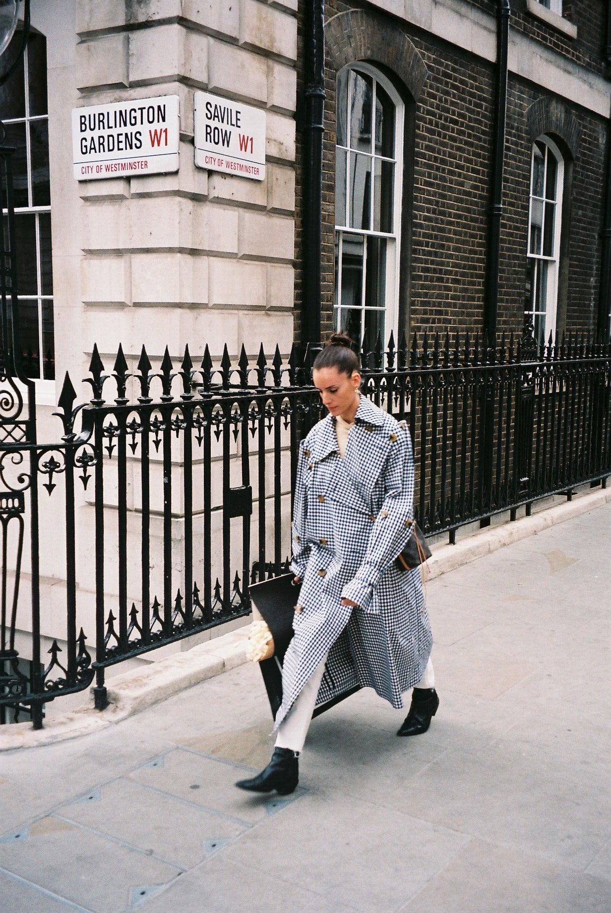 Wearing my favourite coat while doing some shopping for our new house . / A usar o meu casaco preferido durante um dia de compras para a casa nova.
