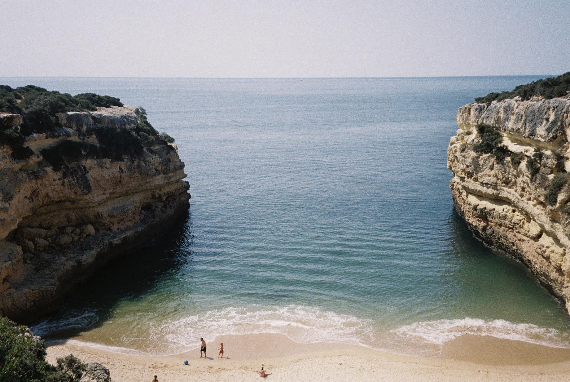 My secret beach in the Algarve.  / A minha praia secreta no Algarve.