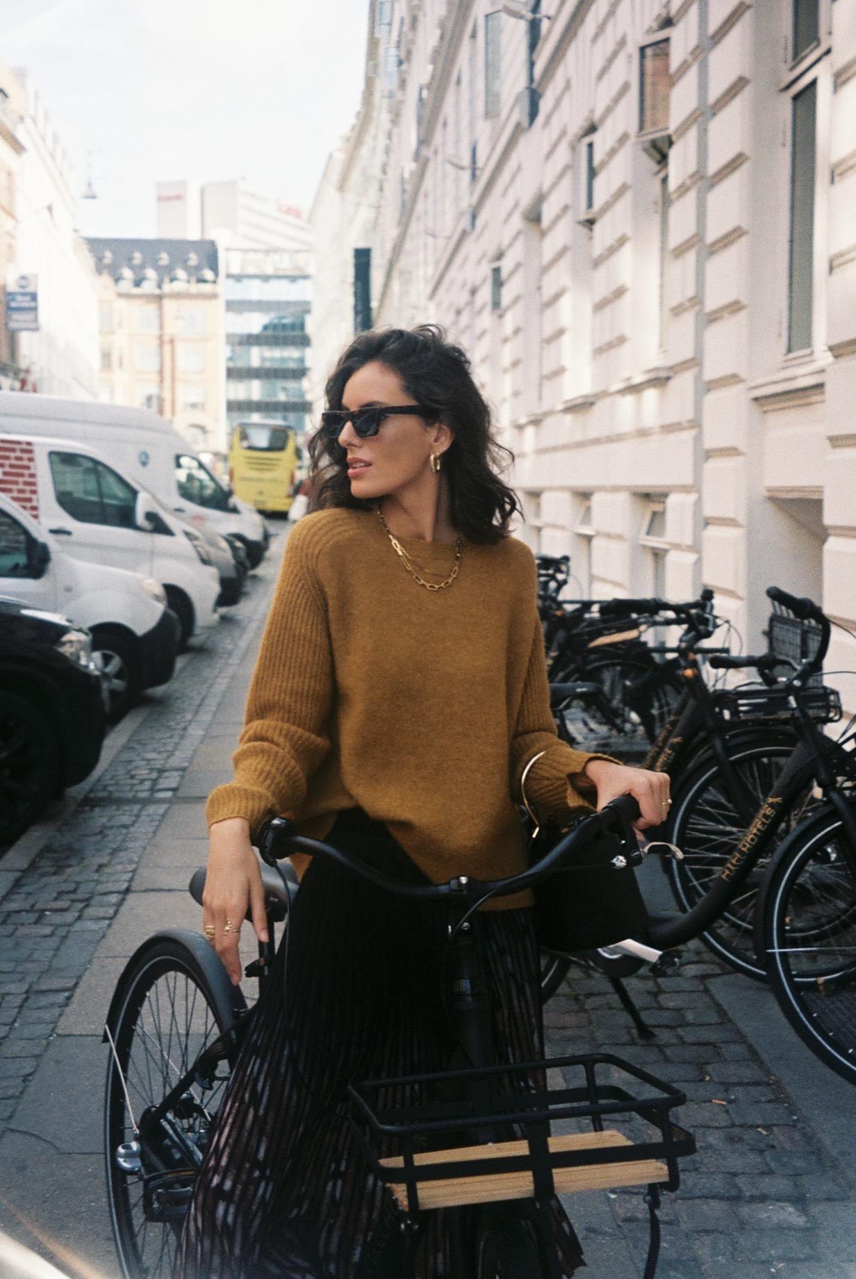 I never actually road a bike in Copenhagen.  / Na verdade nunca andei de bicicleta em Copenhaga.